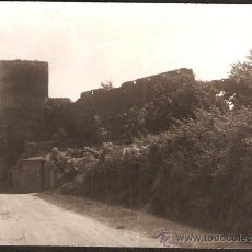 Fotografía antigua: HOSTALRICH. TORRE I MURALLA A L´ENTRADA DEL CARRER MAJOR. ANY 1966. Lote 31163740