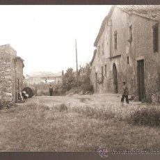 Fotografía antigua: BARBARÁ. UN CARRER. ANY 1958. Lote 31294516