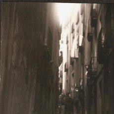 Fotografía antigua: BARCELONA. CARRER ROSICH. ANY 1962. Lote 31649140