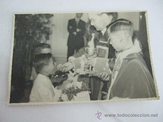 FOTO ANTIGUA EN BLANCO Y NEGRO - PRIMERA COMUNION - AÑOS 40/50 - 17,5X11,5 (Fotografía - Artística)