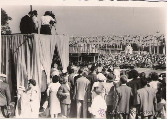 EVENTO EN BRUSELAS AÑO 1958 - 10 X 7 CMS. (Fotografía - Artística)