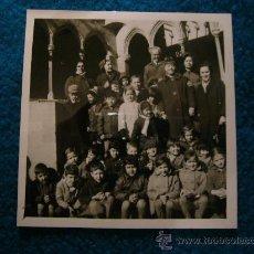 Fotografía antigua: FOTOGRAFIA DE UN GRUPO ESCOLAR (AÑOS 50). Lote 33549151
