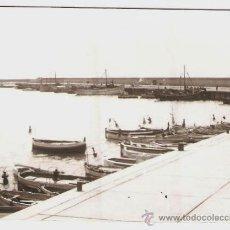 Fotografía antigua: ARENYS DE MAR. MOLL DE PESCADORS. ANY 1957. Lote 33680755