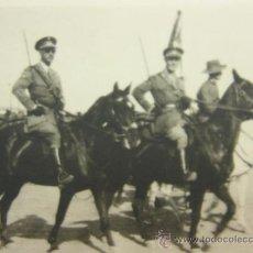 Fotografía antigua: FOTOGRAFIA DE MILITARES A CABALLO TROPAS DE AFRICA S XX ESPAÑA. Lote 33730941