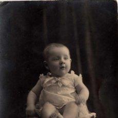 Fotografía antigua: RETRATO DE ESTUDIO DE UN BEBÉ, BUENOS AIRES 1914 - CLC . Lote 34348905