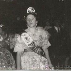 Fotografía antigua: *** FC287 + FOTOGRAFIA - FALLERA - 1970. Lote 34505135