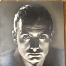 Fotografía antigua: FOTOGRAFÍA GELATINOBROMURO 1951, FIRMADA Y DEDICADA. Lote 35411507