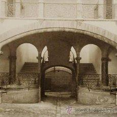 Fotografía antigua: 18 FOTOGRAFIAS DE PATIOS DE CASAS SEÑORIALES DE MALLORCA.FOT. ANTONIETTI & CUADRENYS.CA.1910. Lote 35951701
