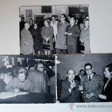 Fotografía antigua: 3 FOTOGRAFÍAS DEL JEFE PROVINCIAL DEL MOVIMIENTO DE BALEARES, VICTOR HELLIN, EN UNA EXPOSICION. Lote 36384047