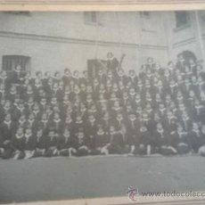 Fotografía antigua: FOTO DE GRUPO COLEGIO 1929 DEDICADA DETRAS 20X15 CM. Lote 36611904