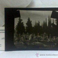 Fotografía antigua: .-CEMENTERIO.- ANTIGUA FOTOGRAFÍA EN BLANCO Y NEGRO, PAPEL. Lote 36862314