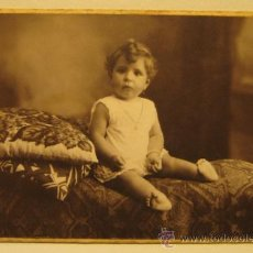 Fotografía antigua: FOTOGRAFIA INFANTIL. STUDIO NYSSEN, BARCELONA. 9 X 14 CM. POSTAL. Lote 37480101