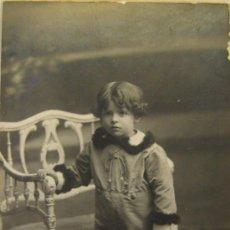 Fotografía antigua: RETRATO INFANTIL. FOTOGRAFIA AMER. BARCELONA, HACIA 1915. 14 X 8,5 CM. Lote 37887238