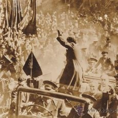 Fotografía antigua: PUIG FARRAN. COMPANYS EN LA PLAZA DE SANT JAUME TRAS SU LIBERACION. 1936. ORIGINAL, VINTAGE. Lote 39066585