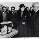 Fotografía antigua: ALFONSO. ALCALA ZAMORA VOTANDO EN LAS ELECCIONES DE 1933. REPUBLICA. ORIGINAL, VINTAGE. 1933. Lote 39066699