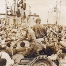 Fotografía antigua - ROBERT CAPA. PALERMO. ENTRADA DE LOS AMERICANOS. 1943. ORIGINAL DE EPOCA - 40101905