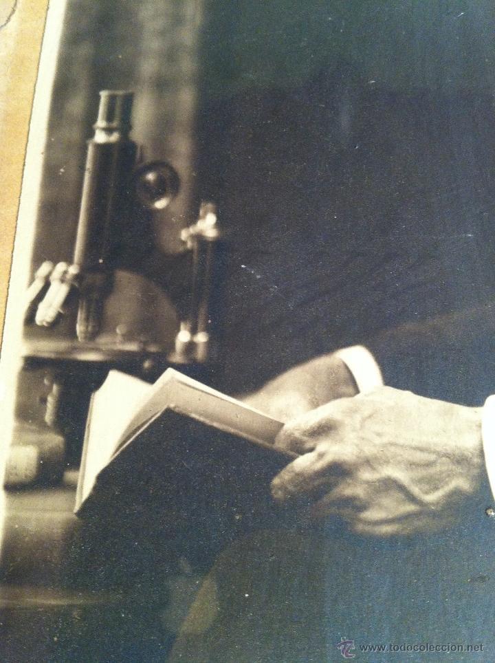 Fotografía antigua: Santiago Ramón y Cajal. Fotografía original. Firmada, dedicada al Doctor. E.Niemeyer. Pieza de museo - Foto 10 - 40170299