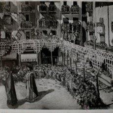 """Fotografía antigua: FOTOGRAFIA DE LA OBRA """"FESTA MAJOR D'OLOT, BALL DELS GEGANTS"""" JUAN CABIROL . Lote 40335322"""