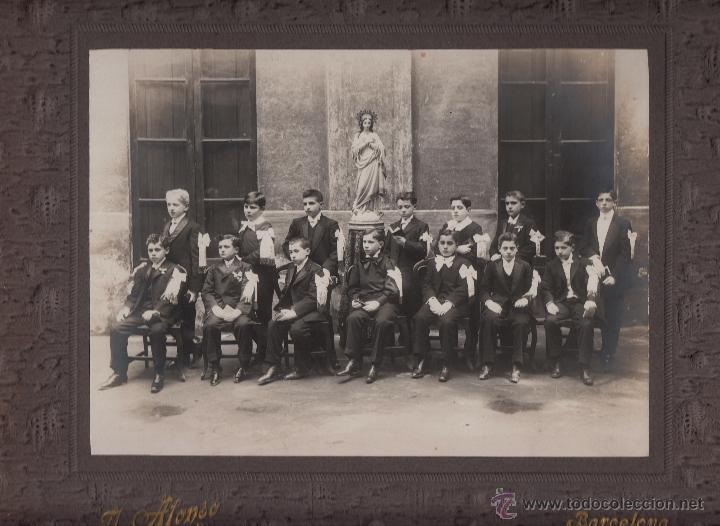 BARCELONA. FOTOGRAFIA DE UN GRUPO DE ESCOLARES. FOT. J. ALONSO. 25X18 CM. CA. 1910 (Fotografía - Artística)