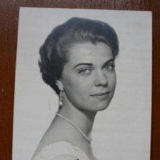 Fotografía antigua: FOTOGRAFIA DE ESTUDIO: PRICESA MARGARITA DE SUECIA – FIRMADA AUTOGRAFO - DATADA 1958. Lote 40964624