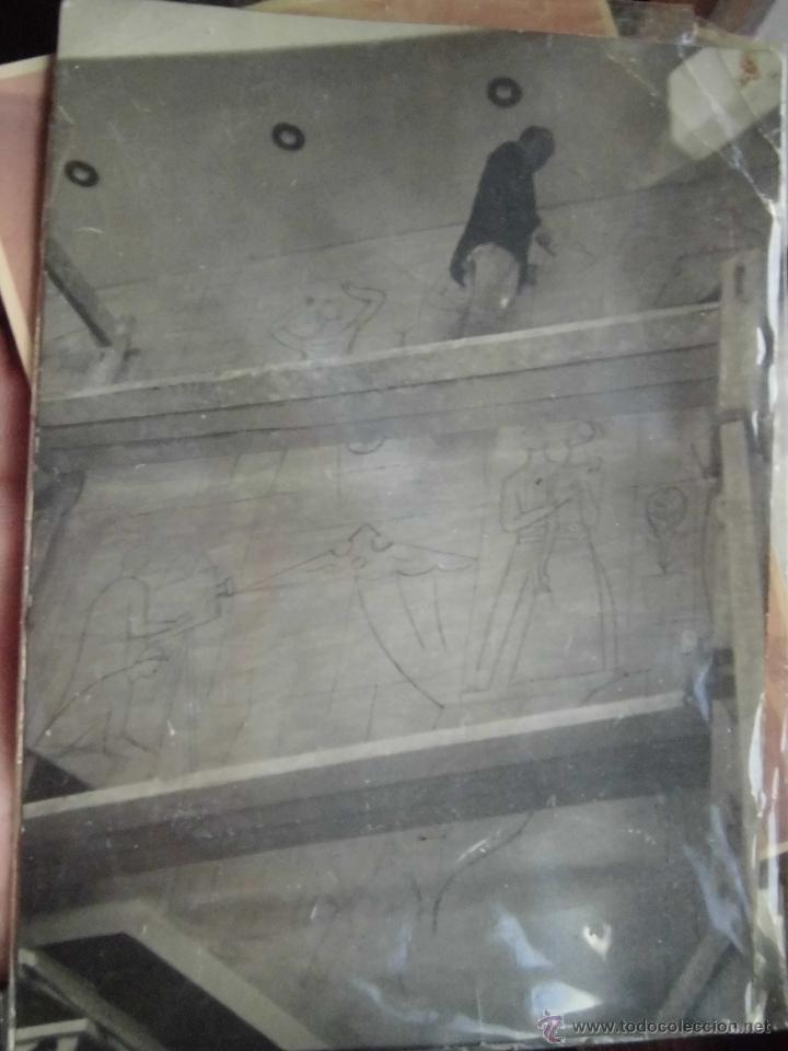 Fotografía antigua: MANUEL BAEZA FOTO ORIGINAL DEL PINTOR DE ALICANTE REALIZANDO MURAL DE EDIFICIO - Foto 3 - 41347359