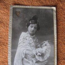 Photographie ancienne: NIÑA FALLERA VALENCIA FALLAS . POSTAL FOTOGRAFICA DE CARTON. FOTOGRAFO J. GROLLO. Lote 42630977