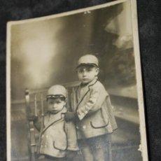 Fotografía antigua: FOTO DE 2 NIÑOS, DE RICARDO HERNANDEZ, CARTAGENA. Lote 44198117