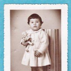 Fotografía antigua - tarjeta postal / fotografia - ++ ¿la reconoce? ++ - niña / mª carmen - fot. lopez / bcn - año 1945 - 45634577
