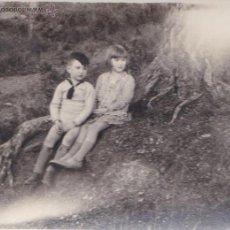 Fotografía antigua: F- 160. ANTIGUA FOTOGRAFIA NIÑOS EN EL BOSQUE. AÑOS 20.. Lote 47847402