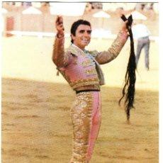 Fotografía antigua: TORERO JOSÉ ORTEGA CANO- OREJAS Y RABO- AÑOS 80. Lote 48702842