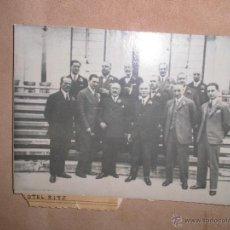 Fotografía antigua: ANTIGUA FOTOGRAFIA Y SOBRE HOTEL RITZ MADRID FAMILIA MAC MAHON FRANCE Y CELEBRIDADES INAUGURACION ?. Lote 49472982