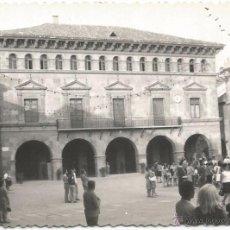 Fotografia antica: ** E793 - FOTOGRAFIA - PUEBLO ESPAÑOL - BARCELONA - PLAZA MAYOR Y AYUNTAMIENTO DE VALDERROBLES. Lote 51551612