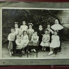 Fotografía antigua: FOTO DE CLASE DE COLEGIO DE MONJAS DEL AÑO 1946. VER COMENTARIOS. Lote 52968074