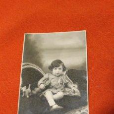 Fotografía antigua: FOTO NIÑA CON JUGUETES, FOTOGRAFO CARLOS ORTEGA, SAN BARTOLOME MURCIA 1936. Lote 53007734