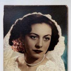 Fotografía antigua: ANTIGUA FOTO DE MUJER CON MANTILLA COLOREADA - 24 X 30 CM. Lote 53487469