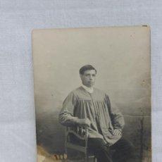 Fotografía antigua: FOTOGRAFA CABALLERO CON BLUSÓN, FOTOGRAFO FRANCISCO LON VALENCIA. Lote 53950457