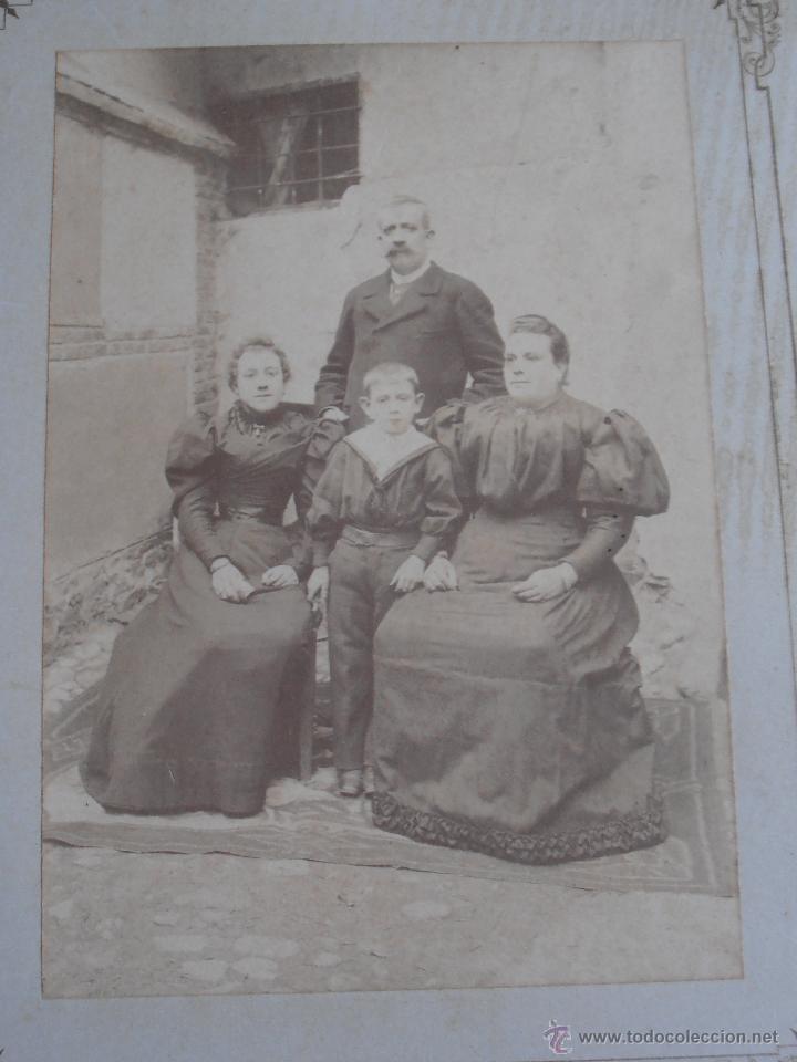 Fotografía antigua: FOTOGRAFIA ANTIGUA CARTON FAMILIA CASA PUEBLO - Foto 2 - 54016939
