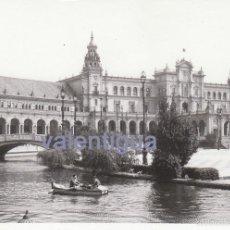 Fotografía antigua: FOTOGRAFÍA DE LA PLAZA DE ESPAÑA DE LA CIUDAD DE SEVILLA, EN LOS AÑOS 60.. Lote 56324600
