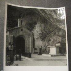 Fotografía antigua: COVADONGA- ASTURIAS - FOTO MARQUES SANTA MARIA DEL VILLAR - VER REVERSO . Lote 56507556
