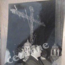 Fotografía antigua: CRUZ DE GUÍA. HERMANDAD DEL GRAN PODER, SEVILLA. SELLO DEL FOTOGRAFO.. Lote 57001213