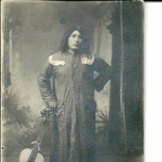 Fotografía antigua: FOTO WINOCIO-LEON-PERSONAJE DISFRADO - AÑO 1914-13,5 X8,5 CM.. Lote 57304015