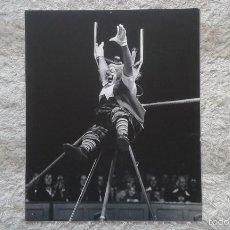 Fotografía antigua: ESPECTACULAR FOTO DE PAYASO DE CIRCO -- 50 X 60 -- HOLANDA, 1966 -- PAPEL FOTGR. EN SOPORTE ALUMINIO. Lote 57324271