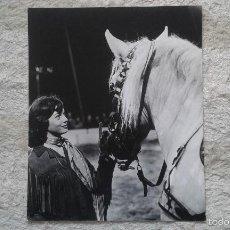 Fotografía antigua: CABALLO CON SU AMAZONA -- 50 X 60 -- CIRCO -- HOLANDA, 1966 -- CON SELLO DE COPYRIGHT --. Lote 57326395