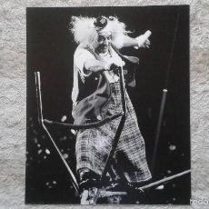 Fotografía antigua: PAYASO SIN MÁSCARA - 50 X 60 CM - CIRCO - HOLANDA, 1966 - SELLO DE COPYRIGHT - FOTO GRAN TAMAÑO. Lote 57326773