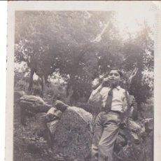 Fotografía antigua: F- 2396. FOTOGRAFIA NIÑO FUMANDO, 1915.. Lote 57383156