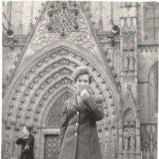 Fotografía antigua: ** T695 - FOTOGRAFIA - SEÑORA - BARCELONA 1971. Lote 57417057