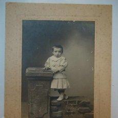 Fotografía antigua: FOTO ORIGINAL DE AVRILLON LA CORUÑA 1910 MIDE 22 X 16 CM.. Lote 57682084