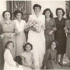 Fotografia antiga: == PH799 - FOTOGRAFIA - NOVIA CON SUS AMIGAS - FOTO PEDRO BETETA - VALENCIA - 1950. Lote 57699005