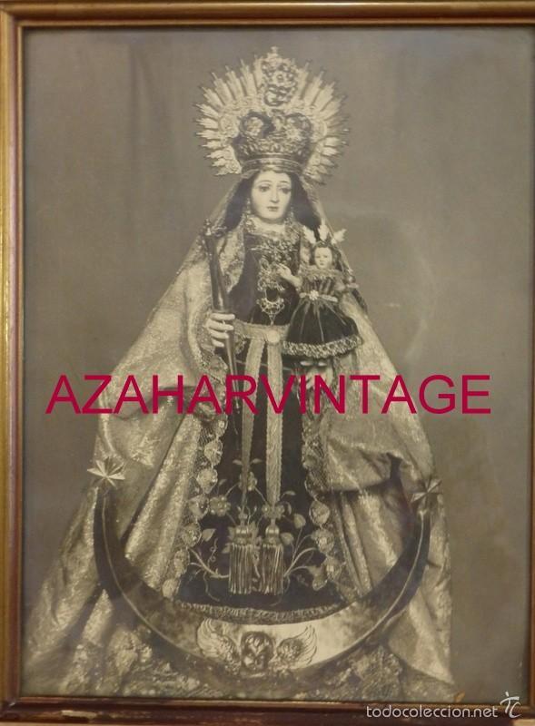 ESPECTACULAR FOTOGRAFIA ENMARCADA DE LA VIRGEN DE LAS MONTAÑAS,VILLAMARTIN,CADIZ. ANTIGUA,24X31 CMS (Fotografía - Artística)