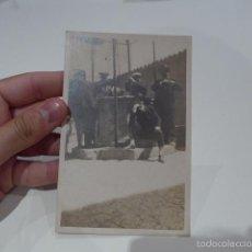 Fotografía antigua: ANTIGUA FOTOGRAFIA DE GENTE DE CASA DEL OBISPO, MALLORCA, 1927, BALEARES. Lote 58101100
